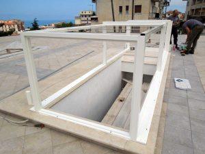 Lucernari in vetro apribili variglass archivetro for Lucernari per tetti