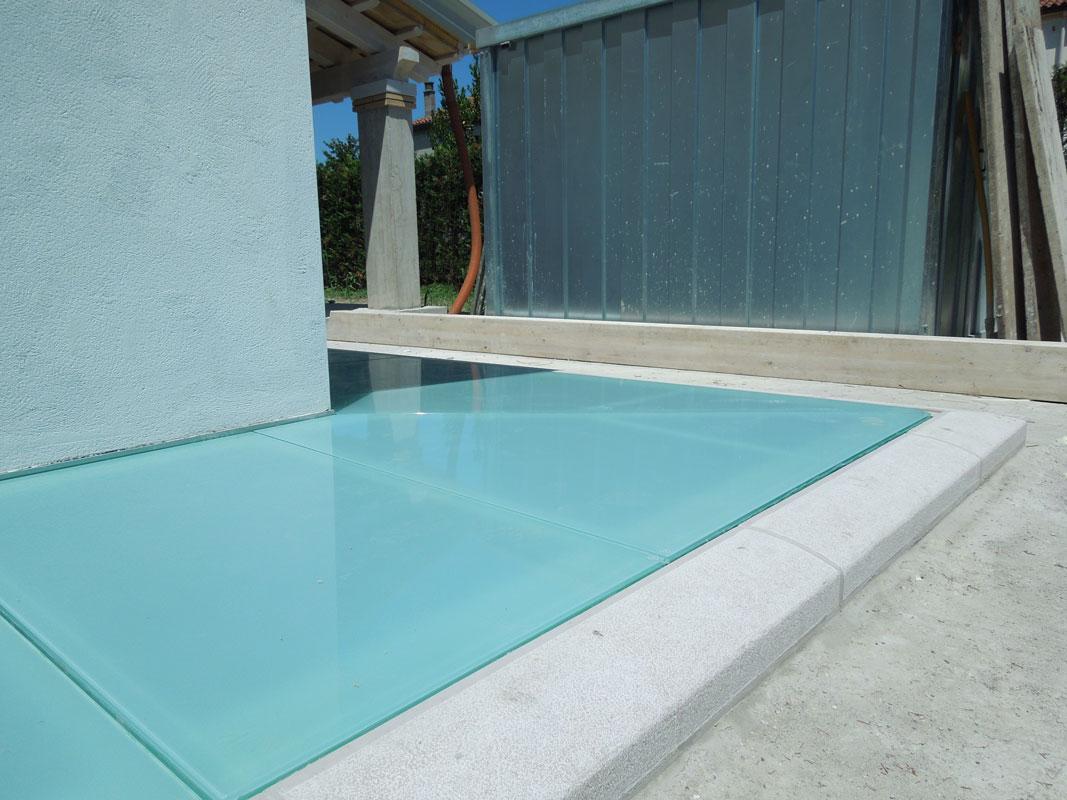 Pavimenti in vetro per esterni carrabili archivetro for Pavimenti per esterni carrabili offerte