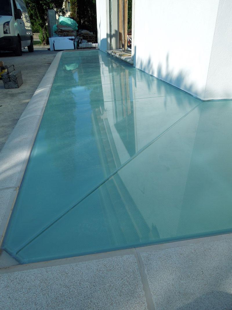 Pavimenti in vetro per esterni carrabili archivetro for Pavimenti per esterni