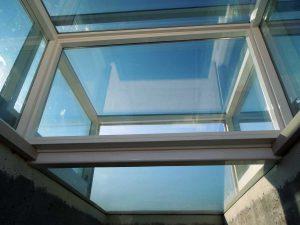 Lucernari apribili in vetro motorizzati