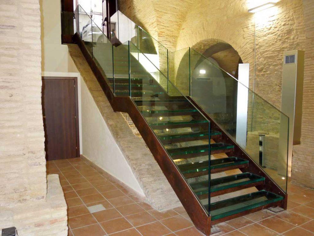 Pavimenti In Vetro Per Esterni pavimenti in vetro strutturale: descrizioni, foto di esempio