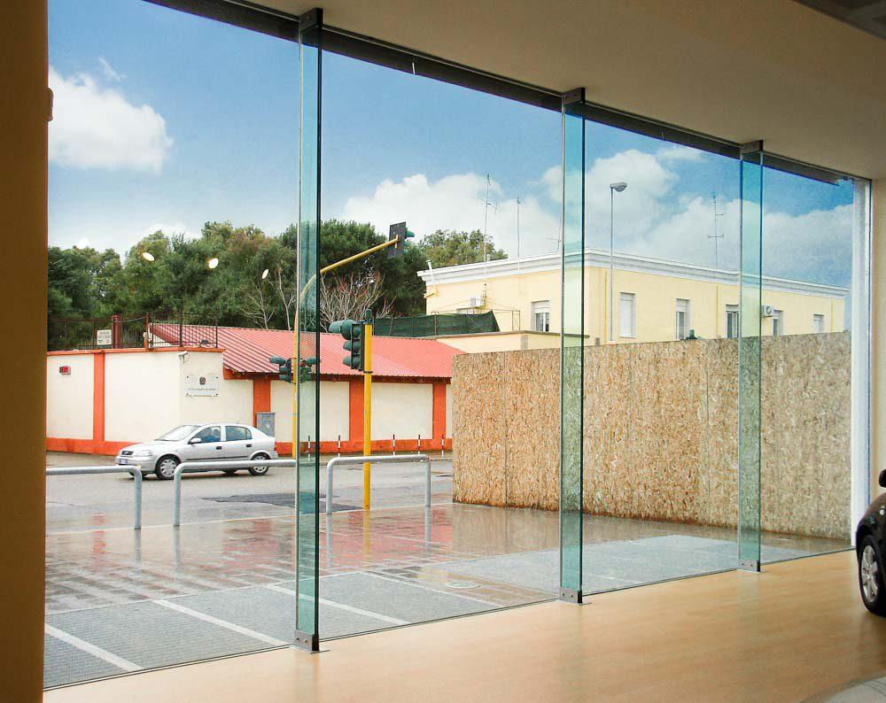 Pavimenti In Vetro Per Esterni vetro strutturale: cosa serve sapere ed esempi di realizzazioni